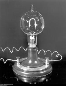 Lâmpada Edison.