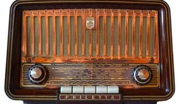 Rádio Phillips, Modelo Philleta, dos anos 60. De fabricação Alemã.